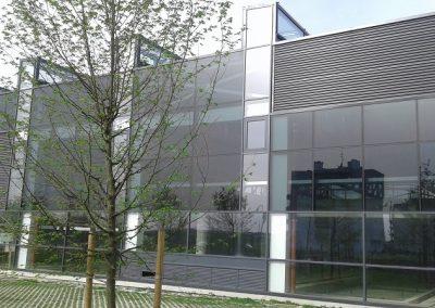 Njemačka – Postavljanje kontinuirane limene fasade i prozorskih elemenata (Schüco sistem)