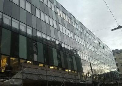 Austrija, Beč – Postavljanje atike i prozorskih elemenata (Schüco sistem).